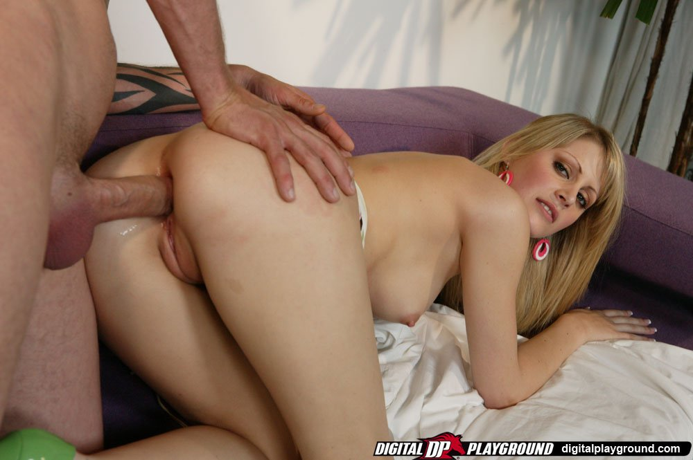 Husband wants to lick another pussy