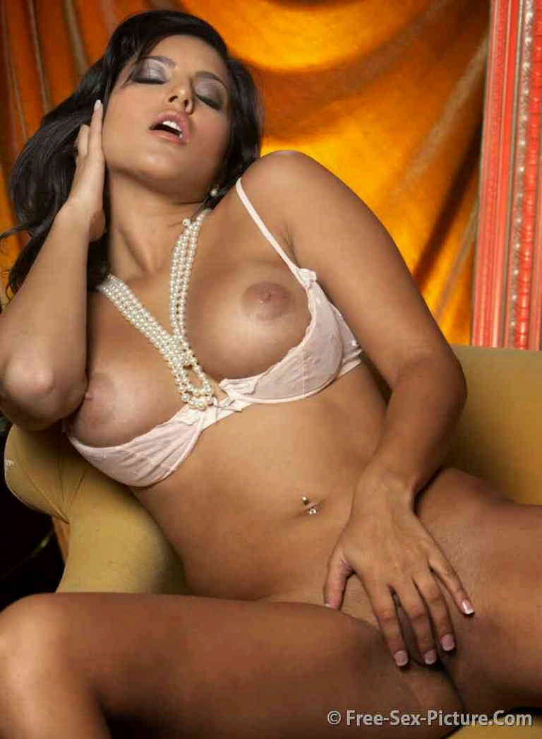 Naked of latinas squirting pic