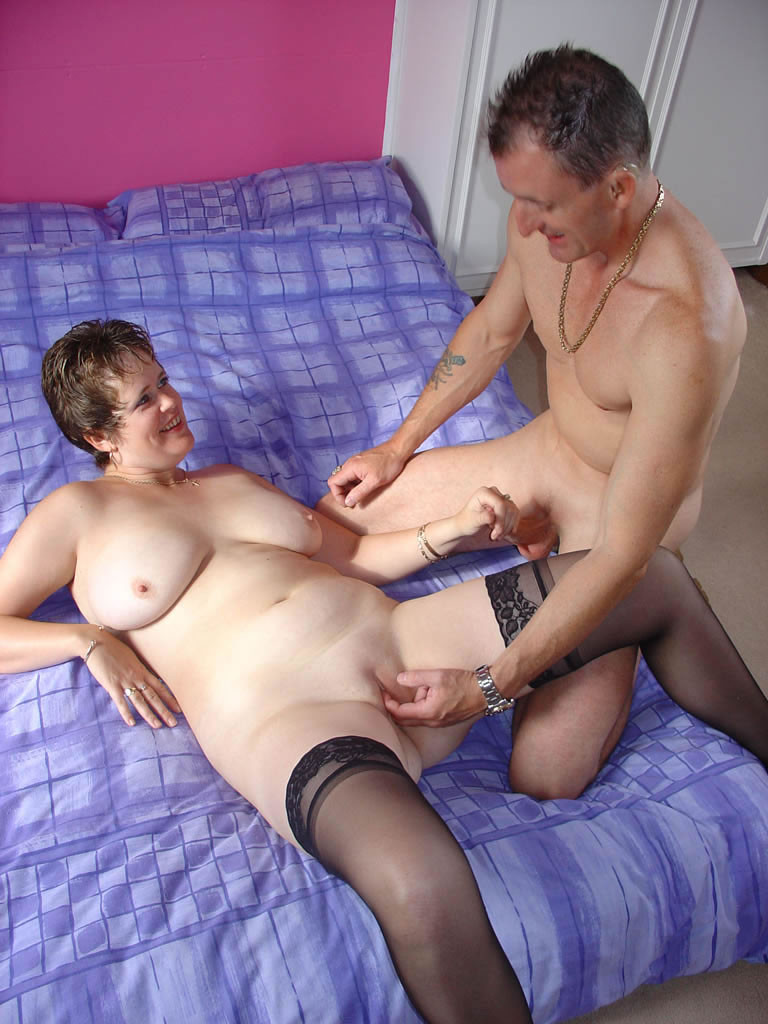 British Mature Anal Squirt