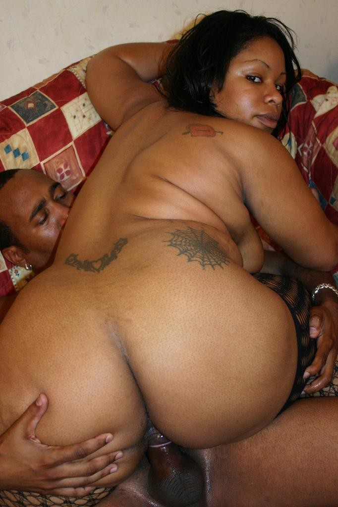 voluptuous niko starr showing off her massive butt and taking cock