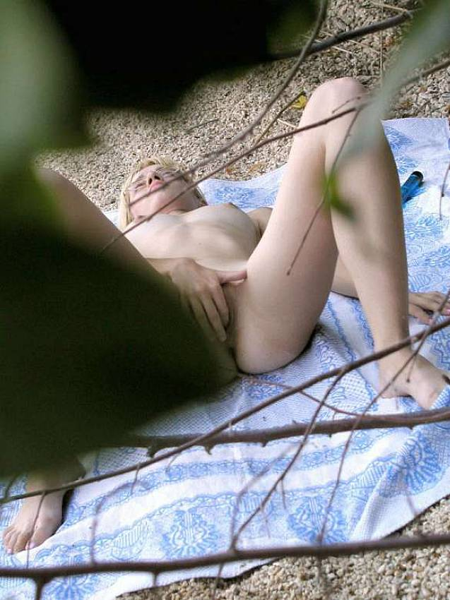 voyeur camping masturbating on the beach voyeur content pics