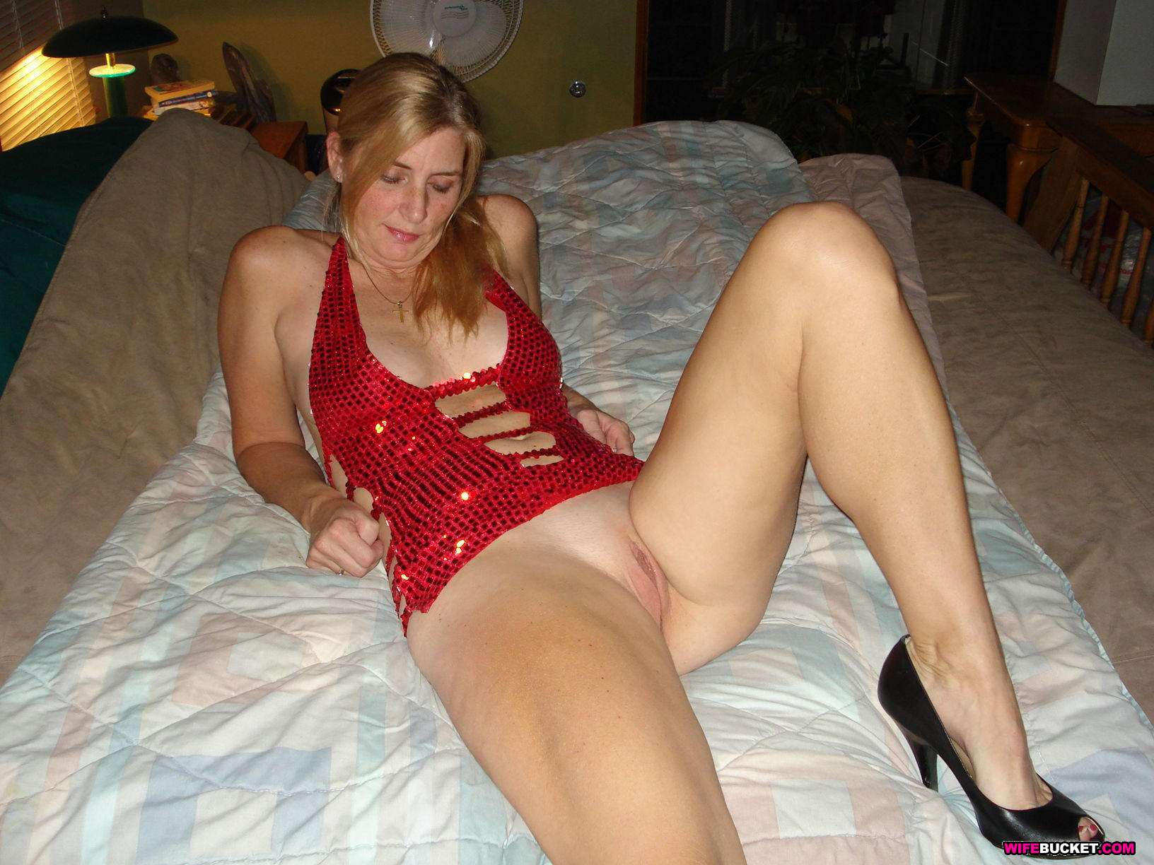 Blonde milf anal videos