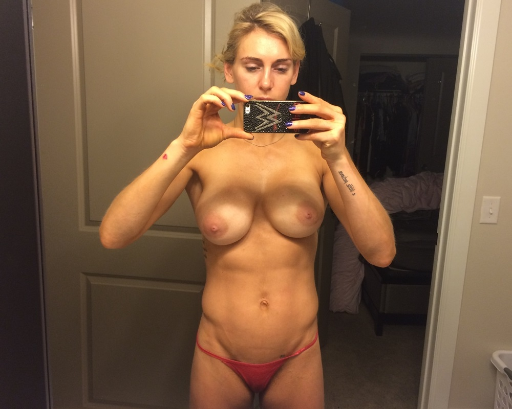 wwe diva charlotte flair nude photos leaked