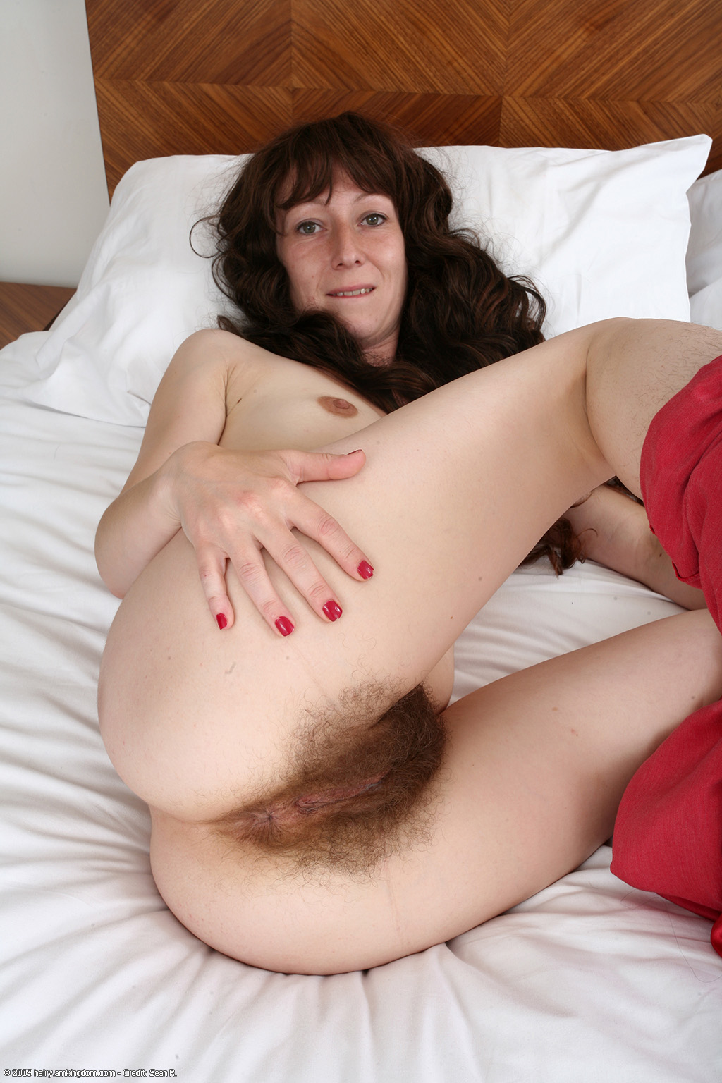 Moms nude bushy hairy