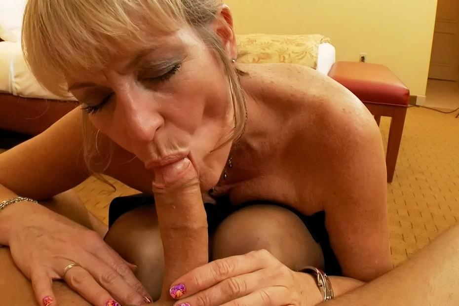 Mature fuck young gallery