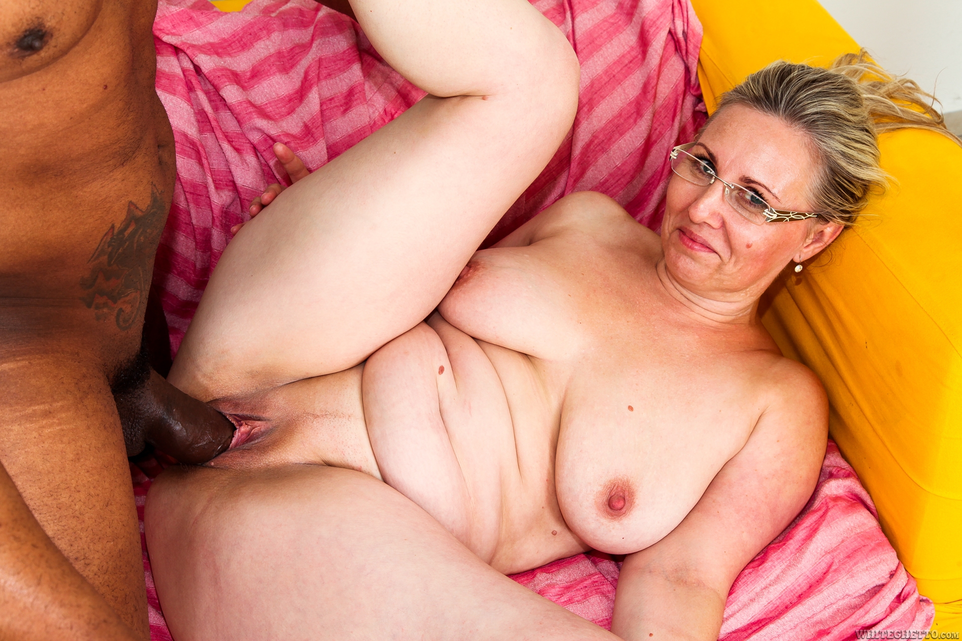 Nude topless pictures of women